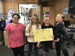 Picture of the 4th grade 1st place battle of the books team